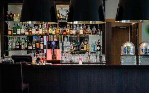 Quality time in the bar of the Hotel Le Relais de la Malmaison